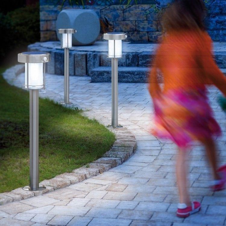 Lampioncino da giardino per illuminare viali, con sensore di movimento, possibilità di uscluderlo