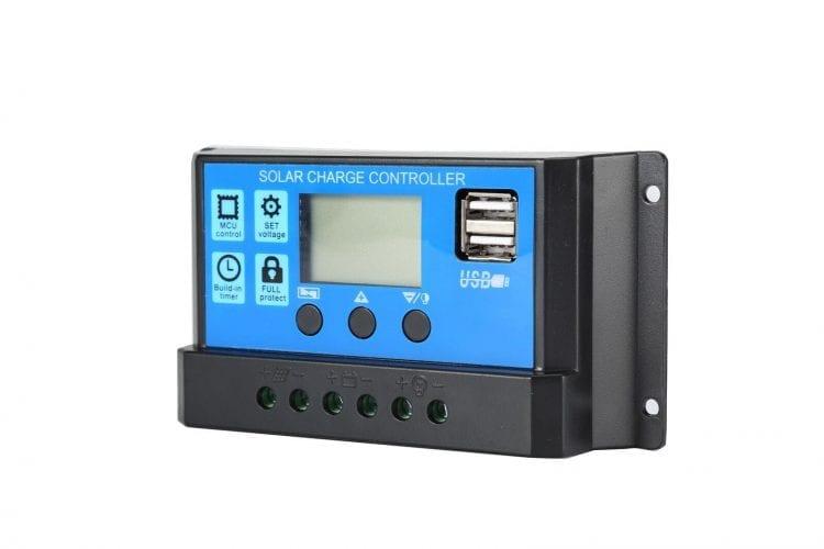 regolatore di carica pwm 10A 12/24V per kit fotovoltaici