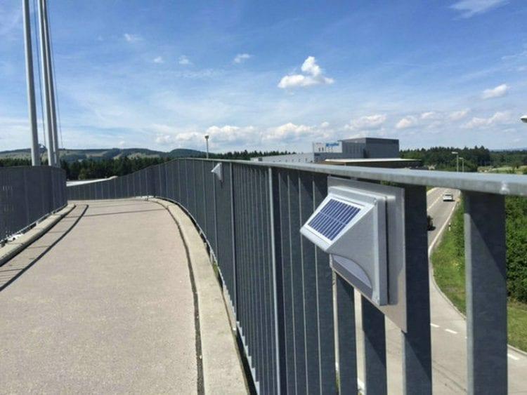 Segnapasso Esterno con Pannello Fotovoltaico luce calda