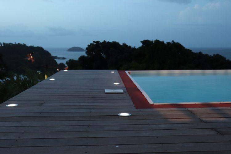 segnapassi solari piscina