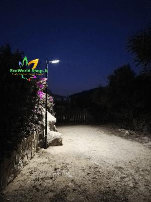 illuminazione notturna con lampione ad energia solare pannello fotovoltaico 7 watt