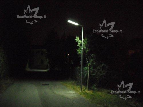 Lampione con Pannello solare 300 lumen, illumina 300 mq c.a.
