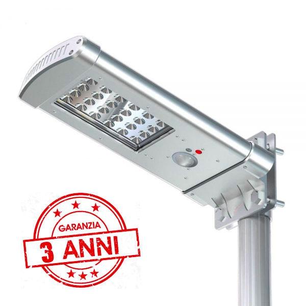 Lampione solare 1000 lumen con telecomando e 3 anni di garanzia
