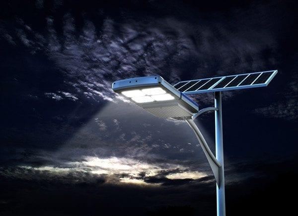 lampione stradale ad energia solare con pannello fotovoltaico ALL-IN-ONE