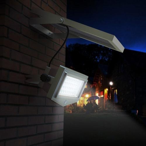 Faro a led da esterno con pannello Fotovoltaico