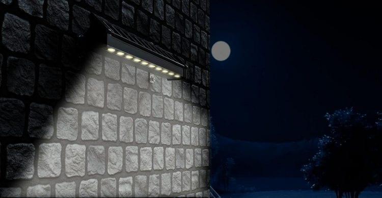 Faro per esterno ad energia solare