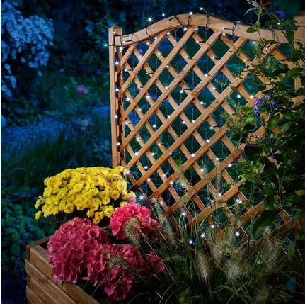 Luci di natale ad energia solare come illuminare il giardino - Pannello solare per luci giardino ...