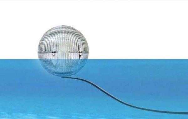 Questa lampada può essere utlizzata sia come segnapasso galleggiante, come lampada decorativa da appendere e come lampioncino segnapasso per viali