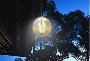 Lampada segnapasso solare appesa