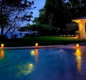 Segnapasso solare led per piscine