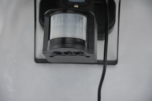 Plafoniera Da Esterno Con Crepuscolare : Faretto led ad energia solare con sensore di movimento ecoworld