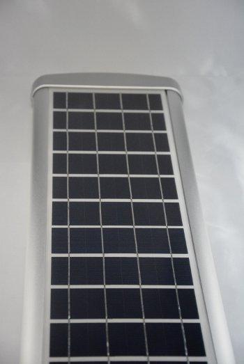 Lampione led ad energia solare pannello fotovoltaico