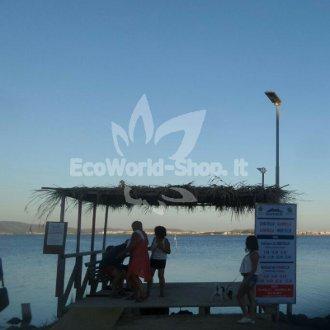Lampione solare illuminazione accesso marittimo