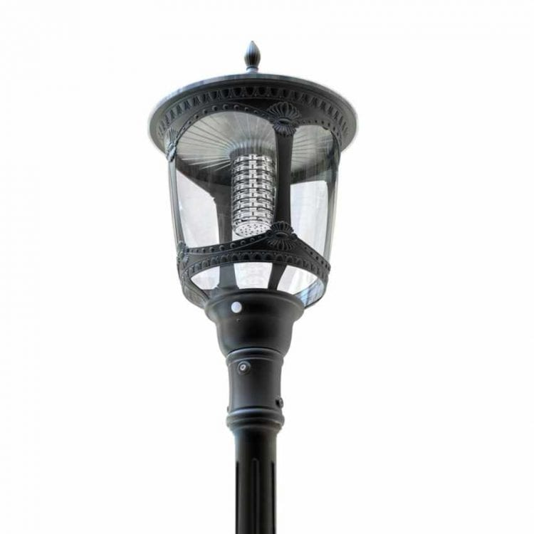 Lampione solare 2000 Lumen da giardino, parchi e strade