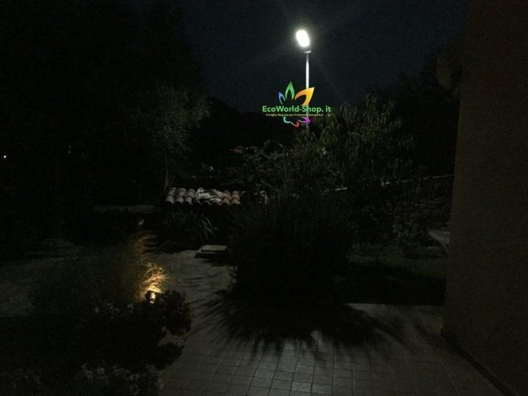 Lampione solare 2000 Lumen illuminazione esterno