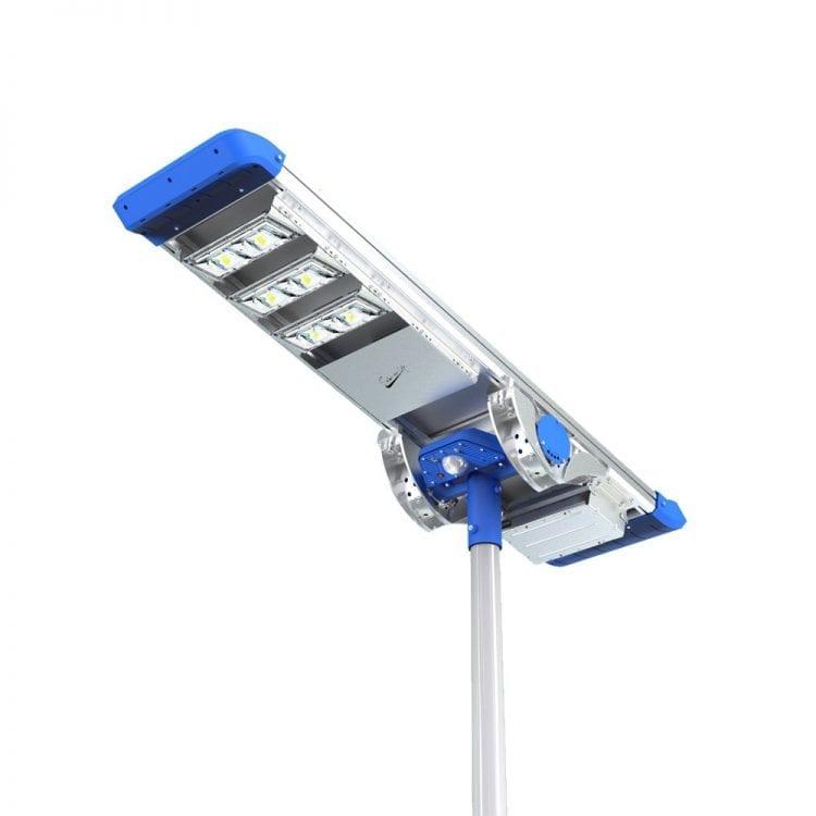 vista della parte inferiore del lampione stradale 3000 lumen ad energia solare