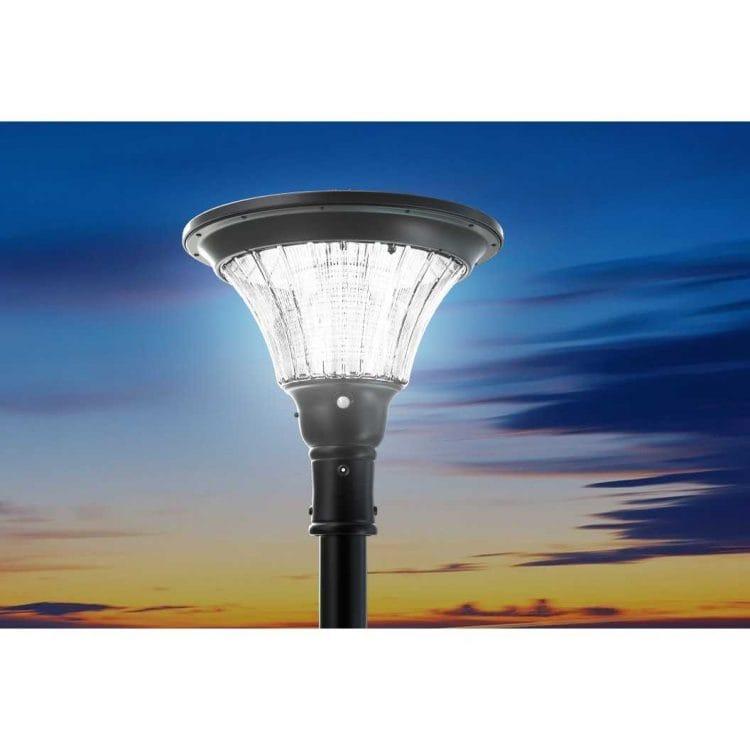 lampione a energia solare con sensore di movimento da esterno