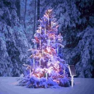 albero di natale con luci effetto meteora