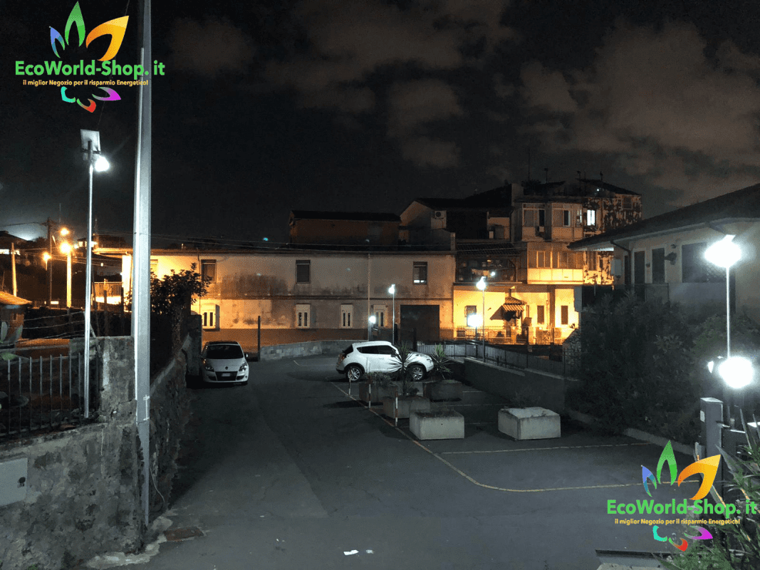 illuminazione parcheggio con fari solari 300w 4000 lumen