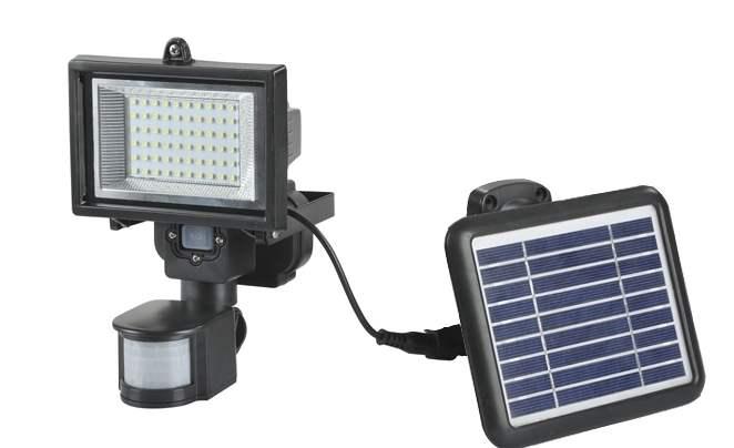 Plafoniera Da Esterno Con Sensore Di Movimento E Crepuscolare : Faretto led ad energia solare con sensore di movimento ecoworld