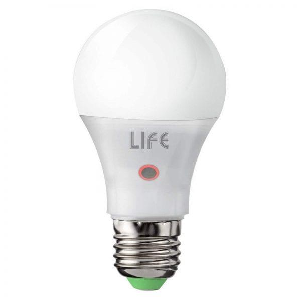 Lampadina a led 9 watt e27 con crepuscolare attacco e27 for Lampadine led 100 watt