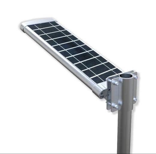 Lampione da esterno solare, installazione semplicissima su palo o muro.