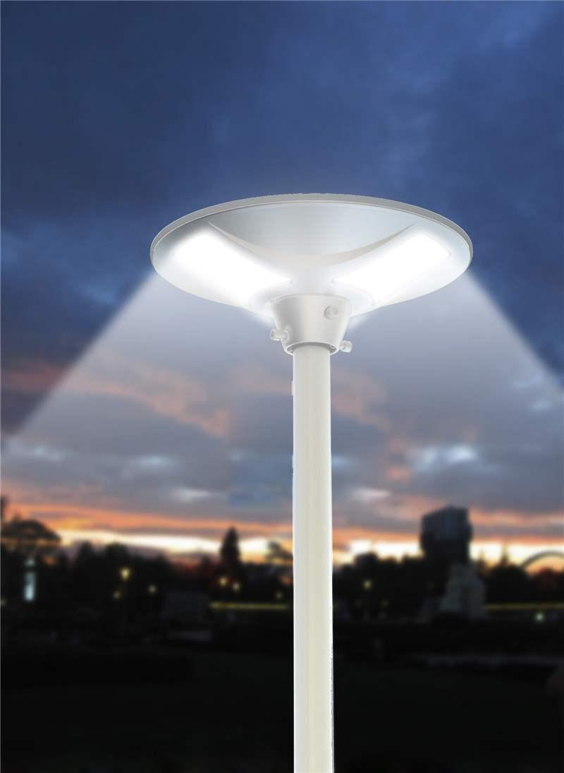 Lampione a led ad energia solare per esterno sfera for Lampioni da giardino a led