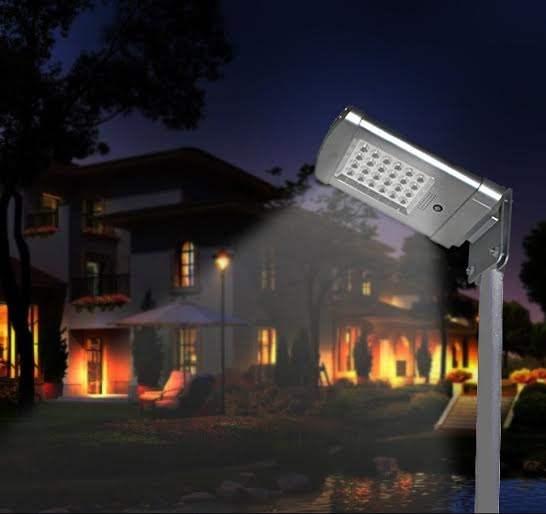 Lampada solare da giardino illuminazione esterna