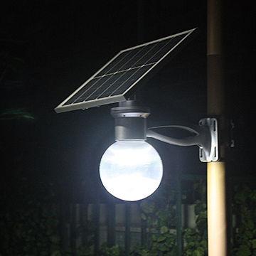 Lampione Esterno a Led Solare con Telecomando, pannello fotovoltaico orientabile a 360°